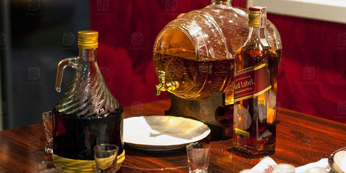 W czym pić whisky?
